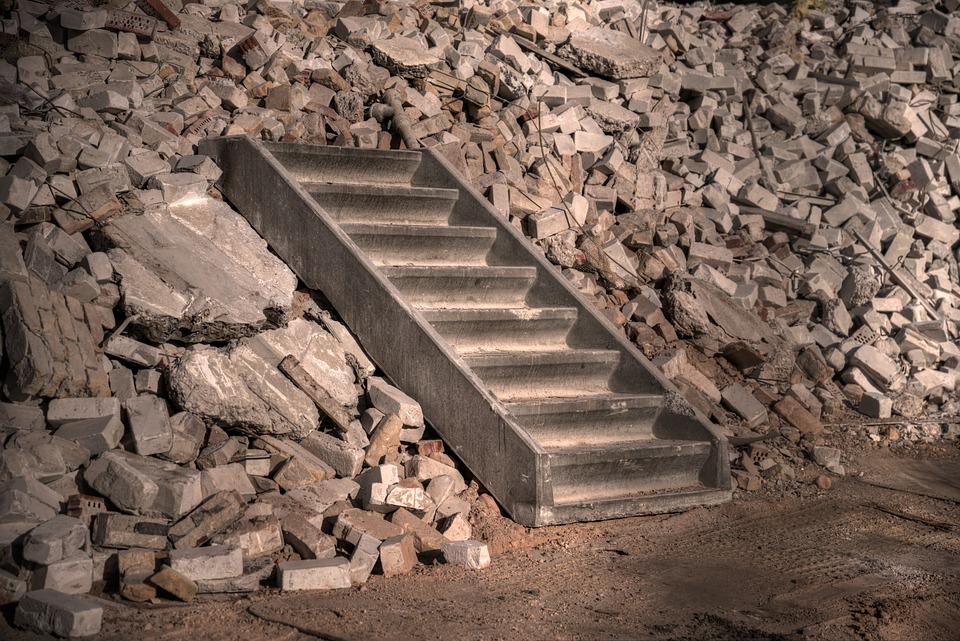 staircase-stairs-construction-concrete-demolition-1481394.jpg